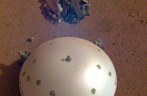 The SEIS seismometer on the surface of Mars.